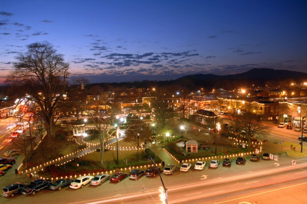 Marietta Square at night.